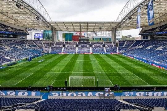 Финал Лиги чемпионов проведут в Порту вместо Стамбула