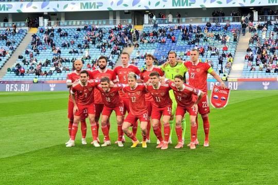 Сборную России по футболу ждут контрольные матчи с командами Польши и Болгарии перед чемпионатом Европы