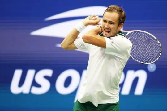 Теннисист Медведев обыграл Джоковича и впервые стал чемпионов US Open