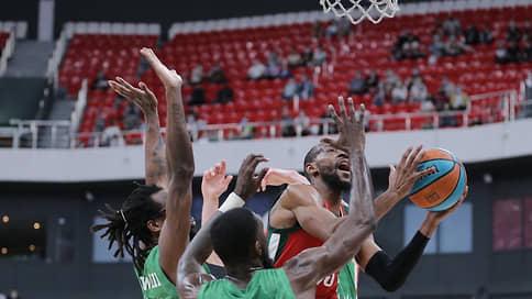 «Локомотиву-Кубани» прилетело из-за дуги // УНИКС выиграл первый матч полуфинала Единой лиги ВТБ