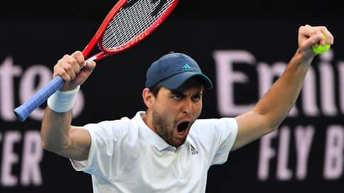 Успешный перезапуск 114-й ракетки // Аслан Карацев пробился в 1/8 финала Australian Open и первую сотню рейтинга ATP