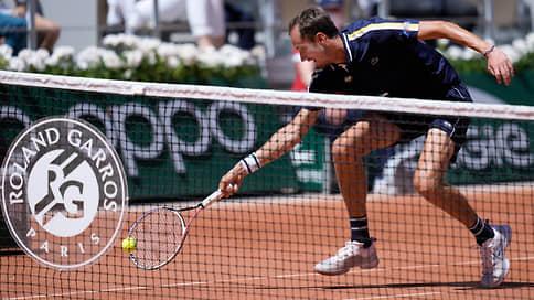 Медведев впервые вышел во второй круг Roland Garros