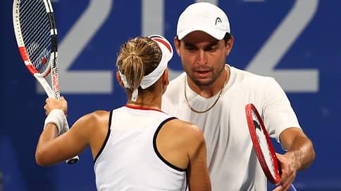 Теннисисты Веснина и Карацев вышли в полуфинал Олимпиады в миксте