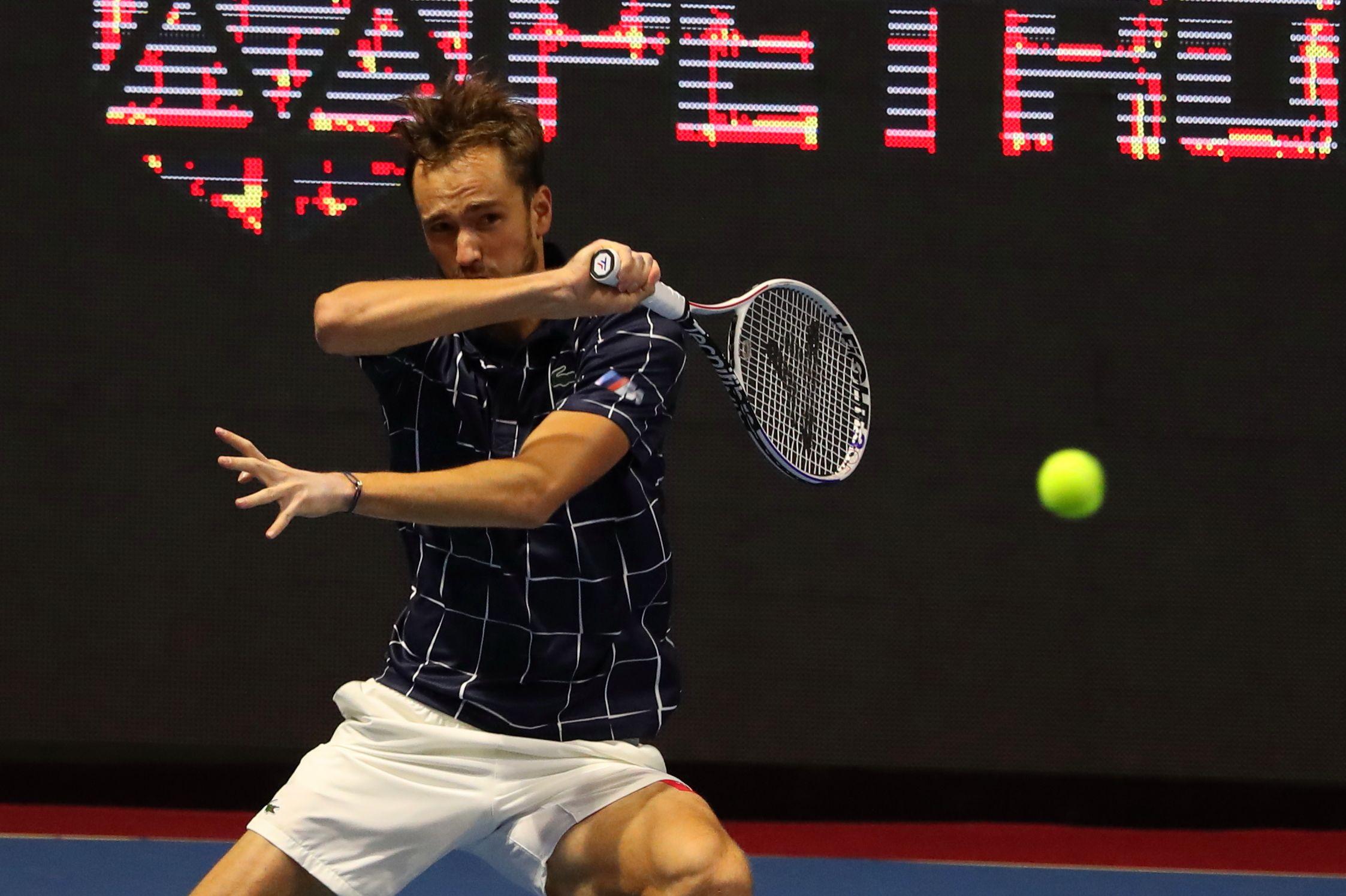 Теннис, АТР, Париж, третий круг, Медведев - Де Минаур, прямая текстовая онлайн трансляция