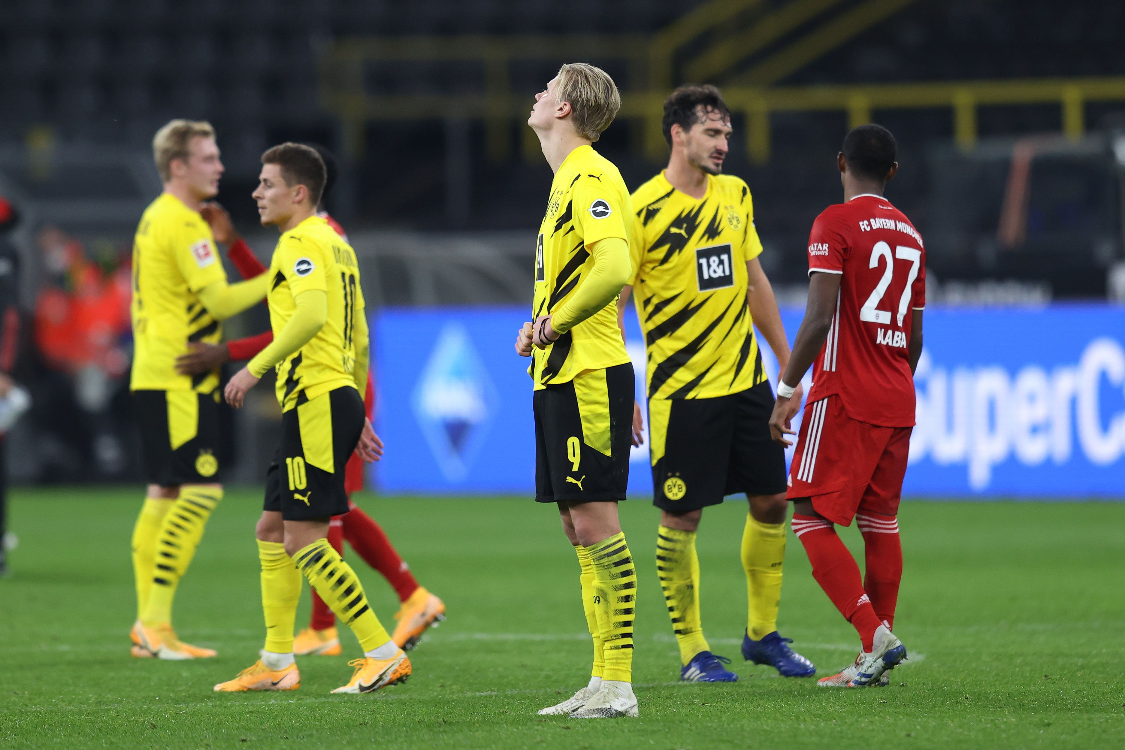 'Боруссия' Д - 'Бавария': Видеообзор главного матча выходных