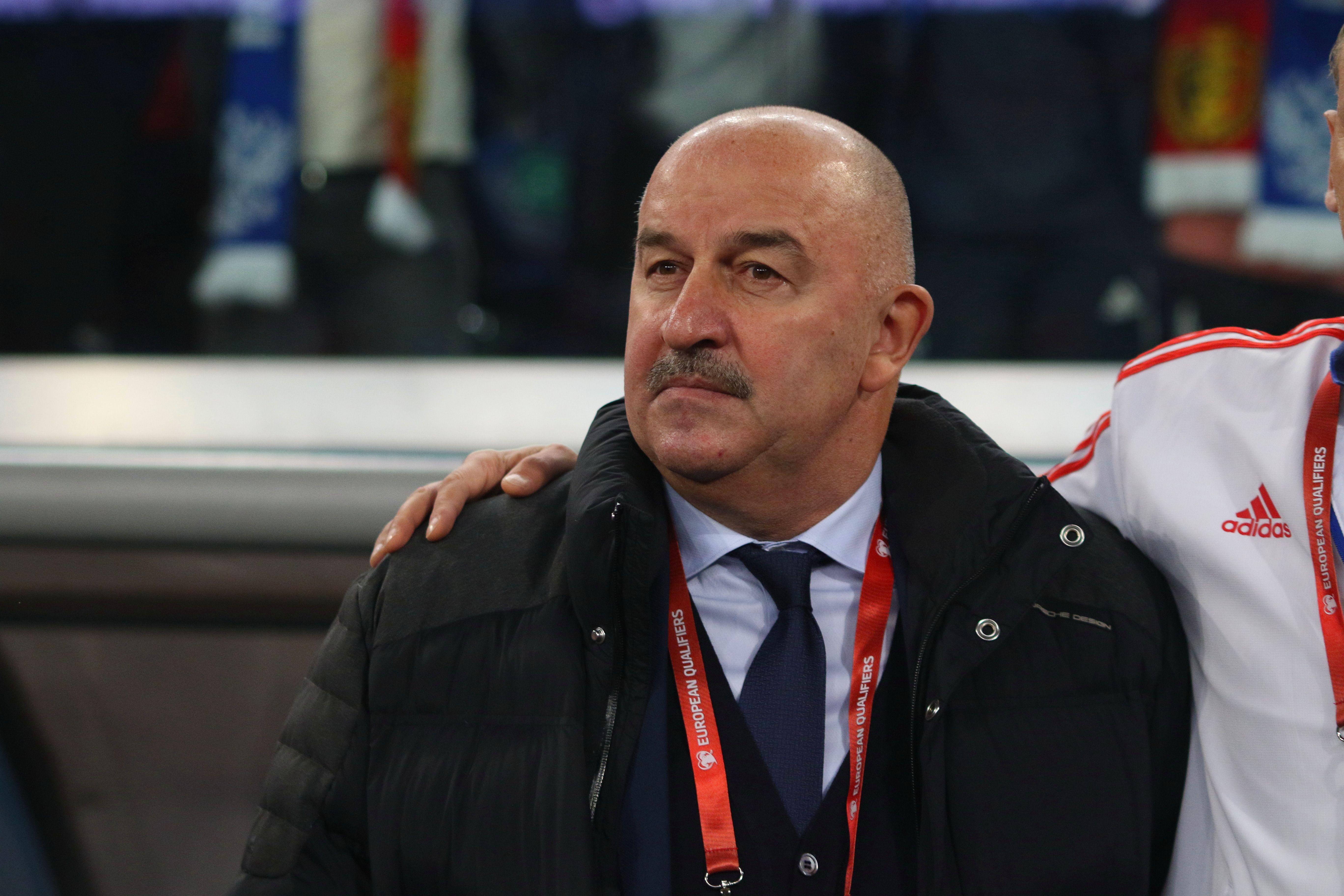 'Многие считают Черчесова физруком'. ЦСКА резко отреагировал на выступление тренера в прямом эфире