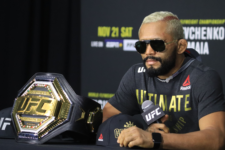 Чемпион UFC Фигередо встретится с Морено 12 декабря