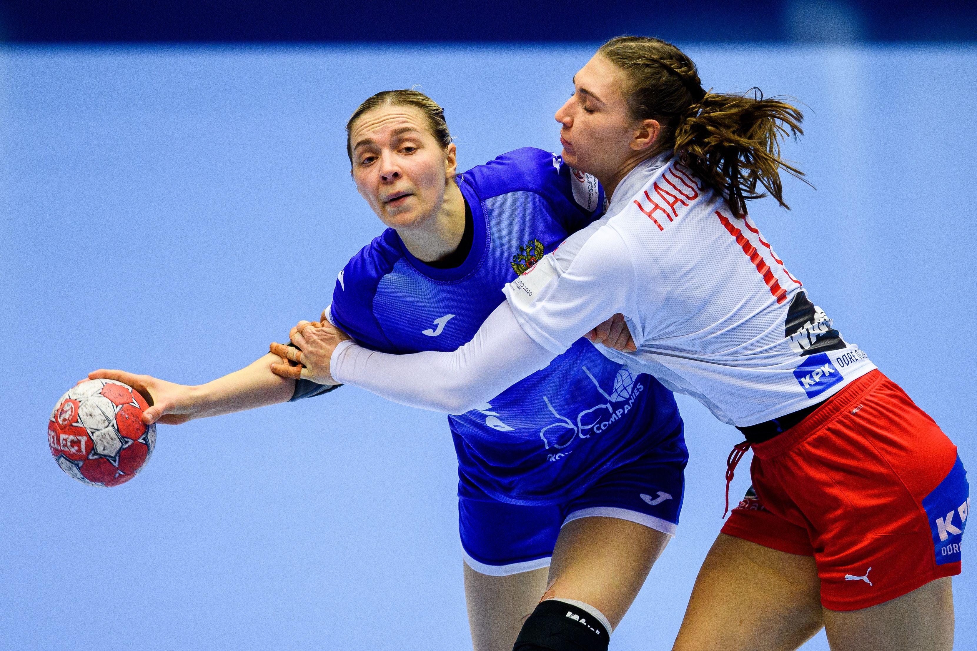 Женская сборная России по гандболу осталась без главного тренера
