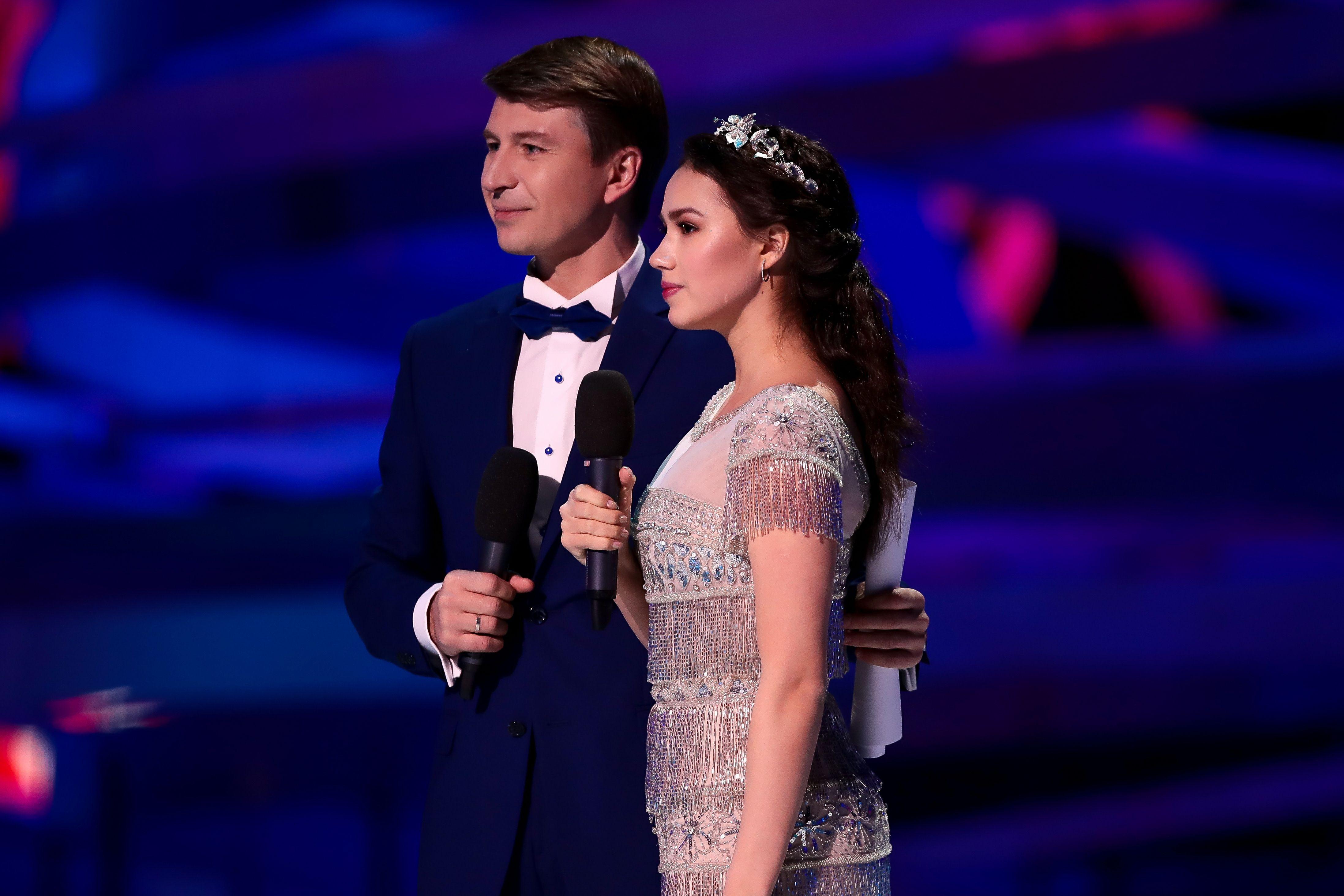 Загитова победила Бузову и стала лучшей телеведущей 2020 года. ФОТО