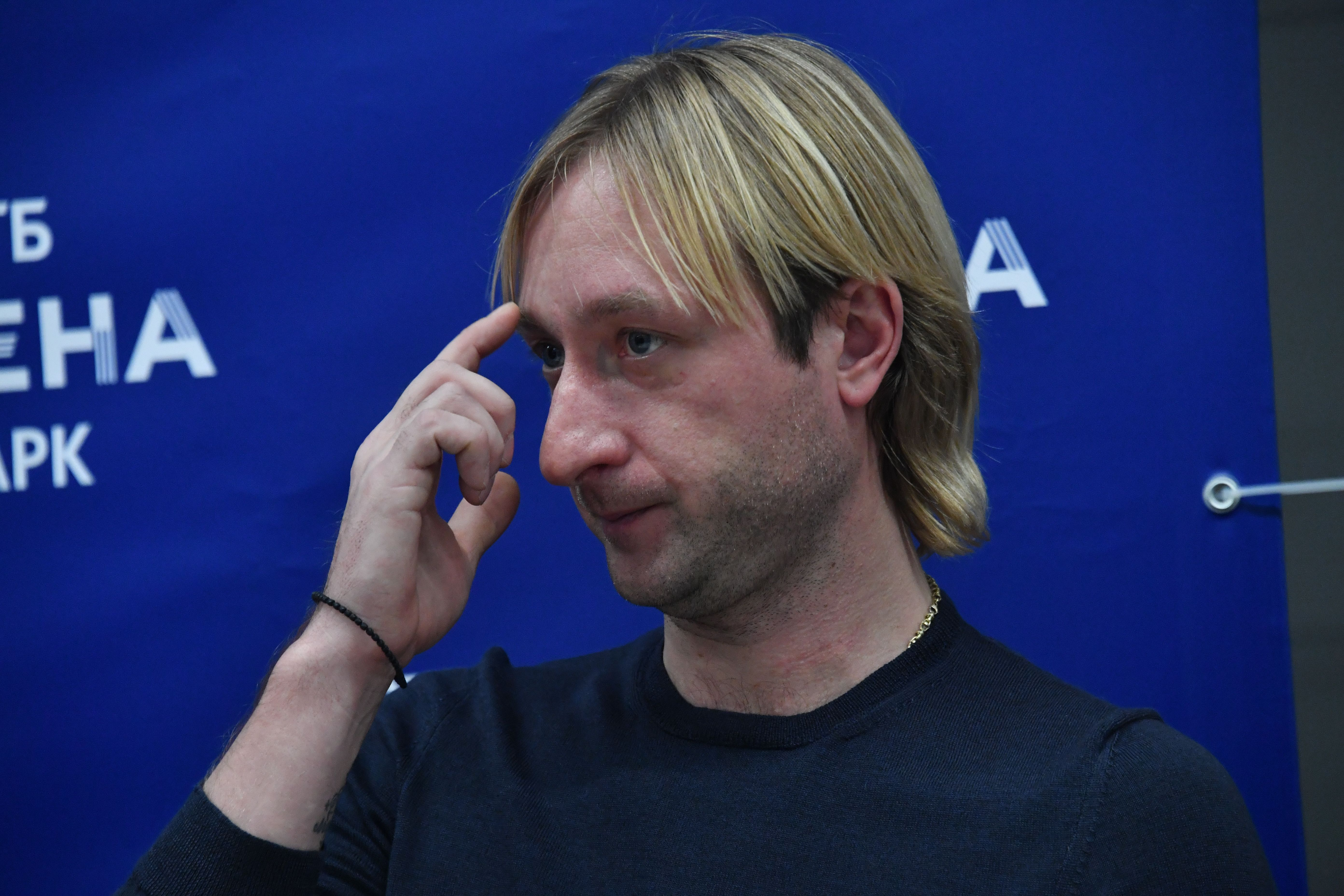 Плющенко разгневан оценками Трусовой: 'Куда лучше? Из платья выпрыгнуть?'