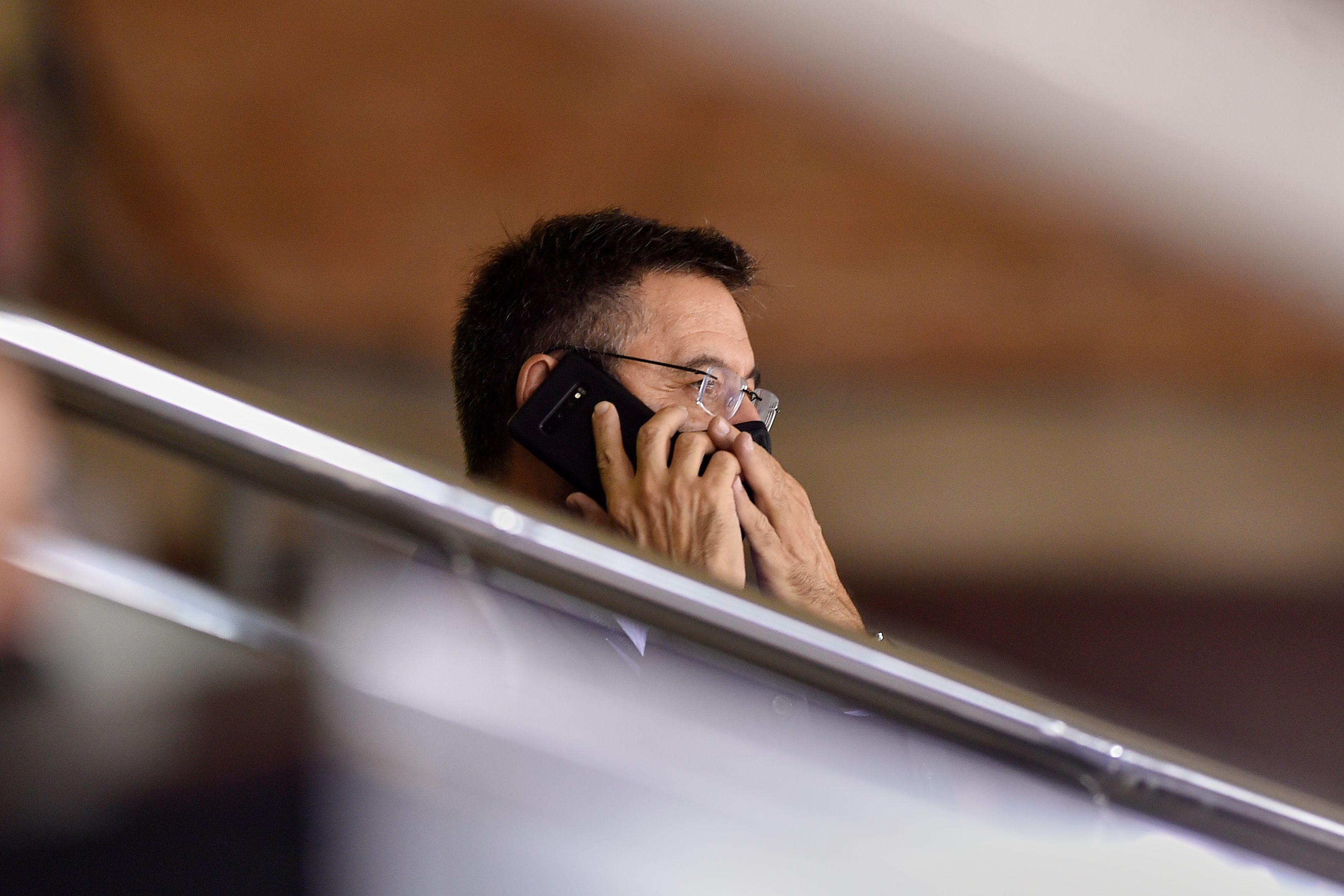Экс-президента 'Барселоны' временно выпустили из-под стражи