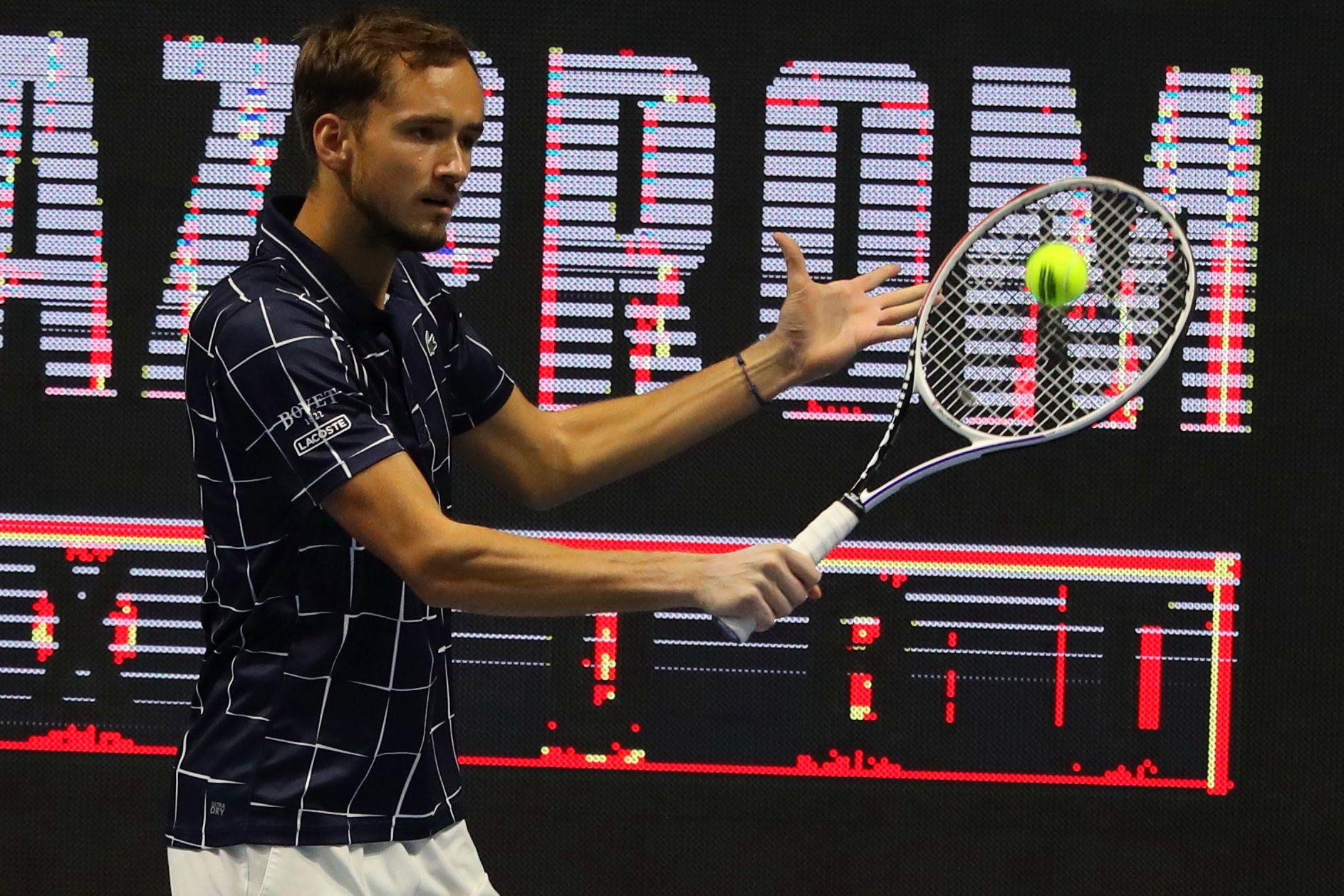 Теннис, ATP, Роттердам, первый круг, Медведев - Лайович, прямая текстовая онлайн трансляция