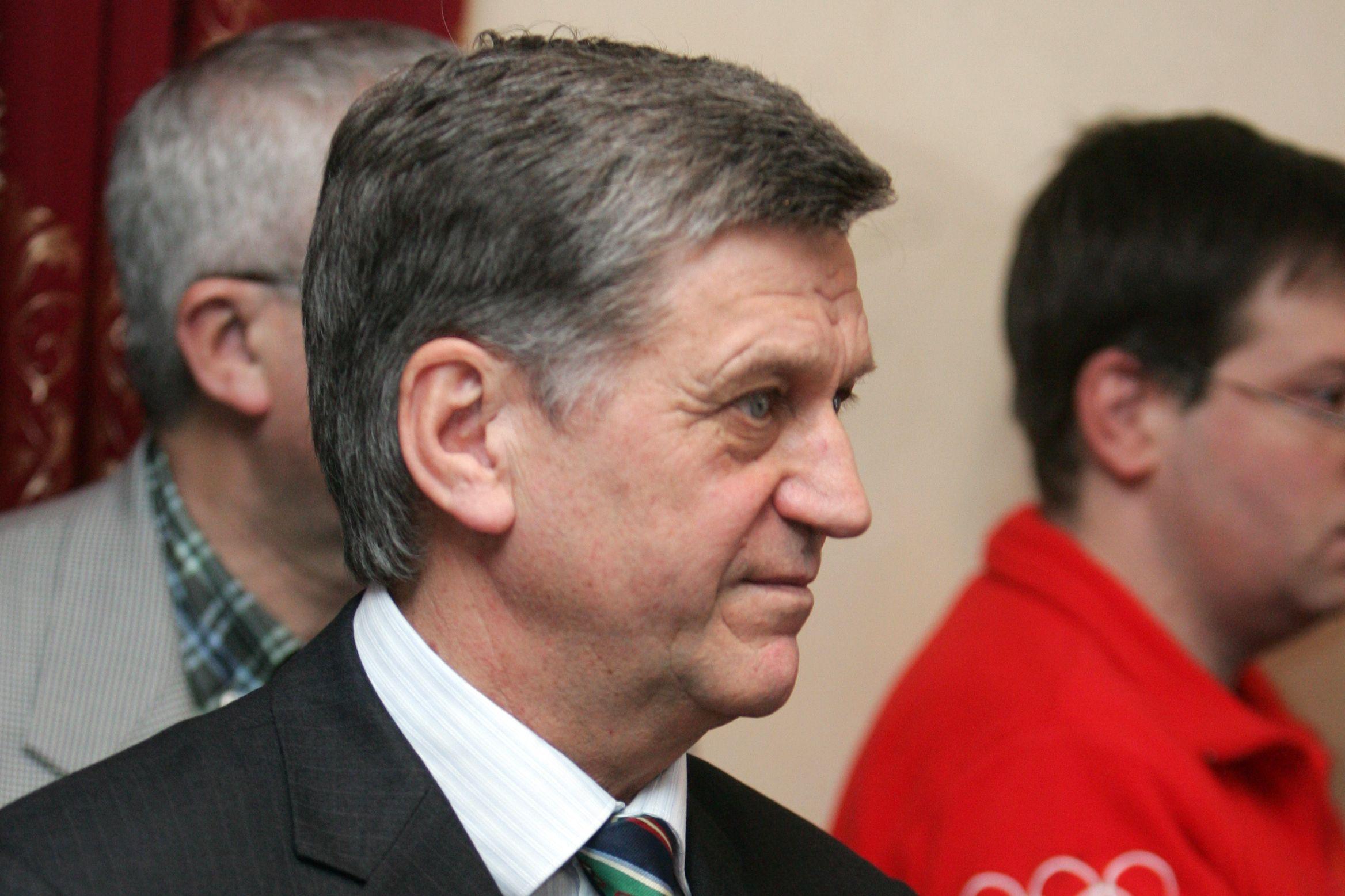 Тихонов жёстко высказался о провале российских биатлонисток в эстафете