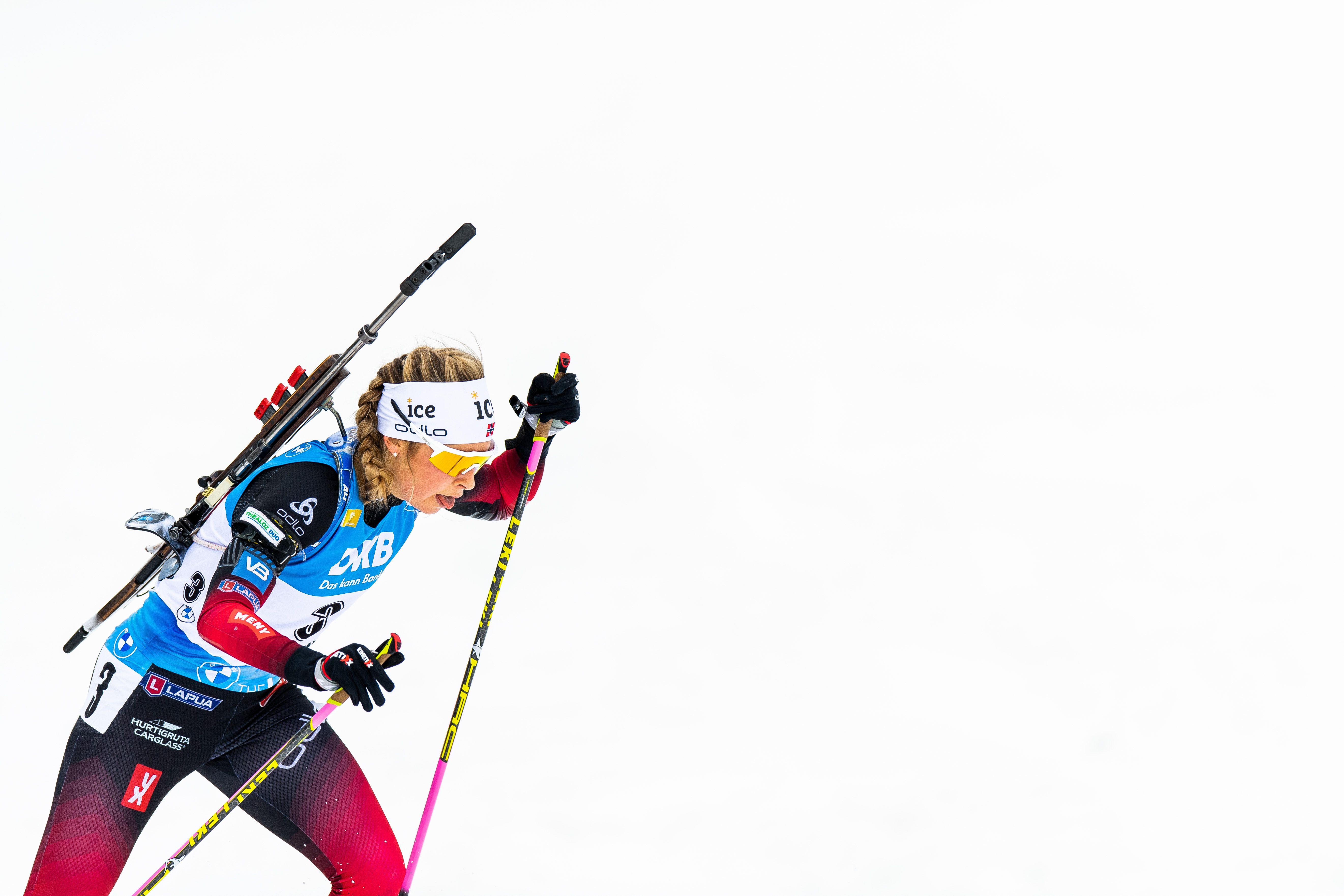 Тандревольд выигрывает масс-старт, россиянки вновь без медалей: результаты гонки