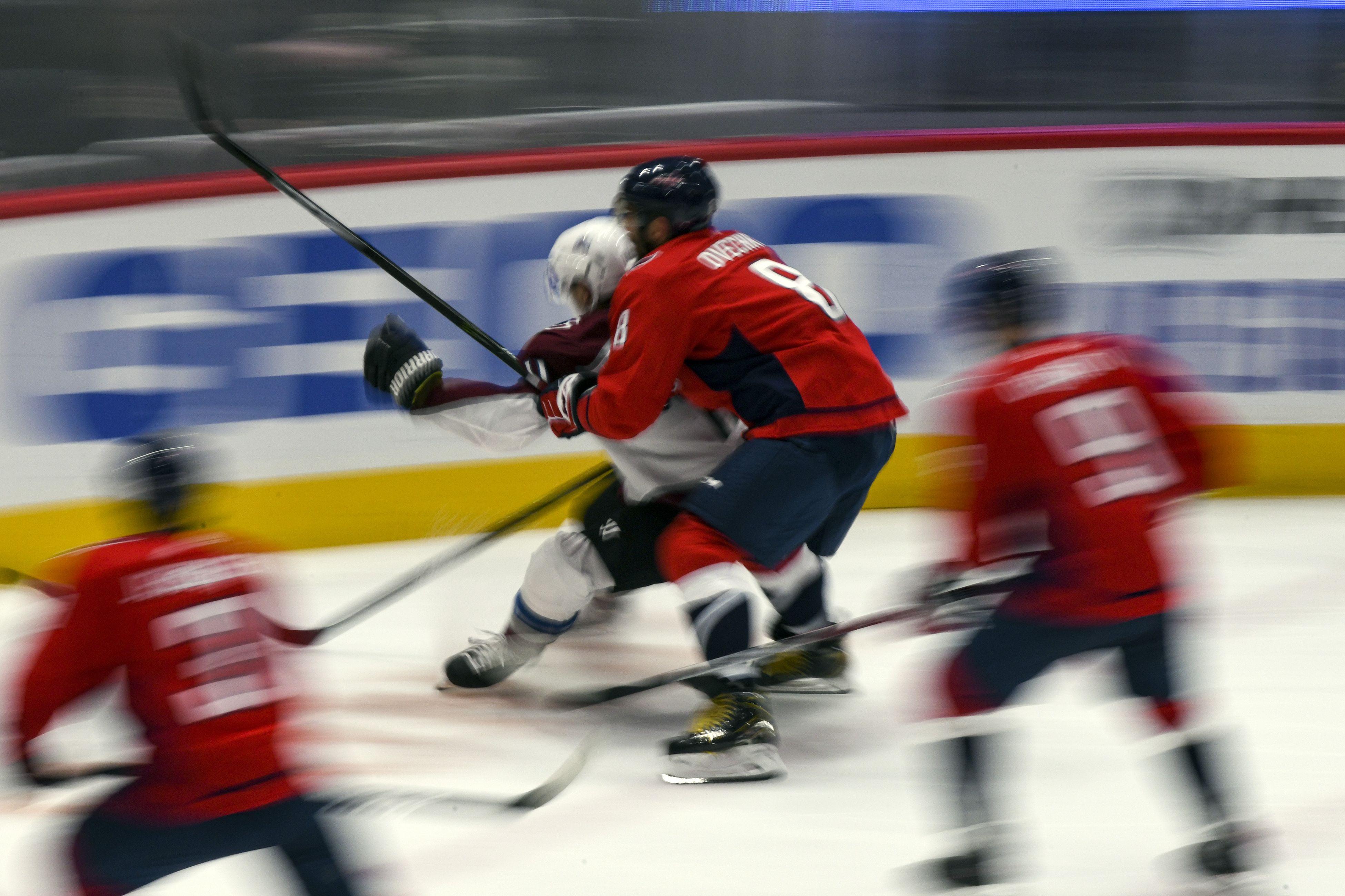 'Вашингтон' обыграл 'Нью-Джерси', Овечкин, Кузнецов и Орлов отметились шайбами