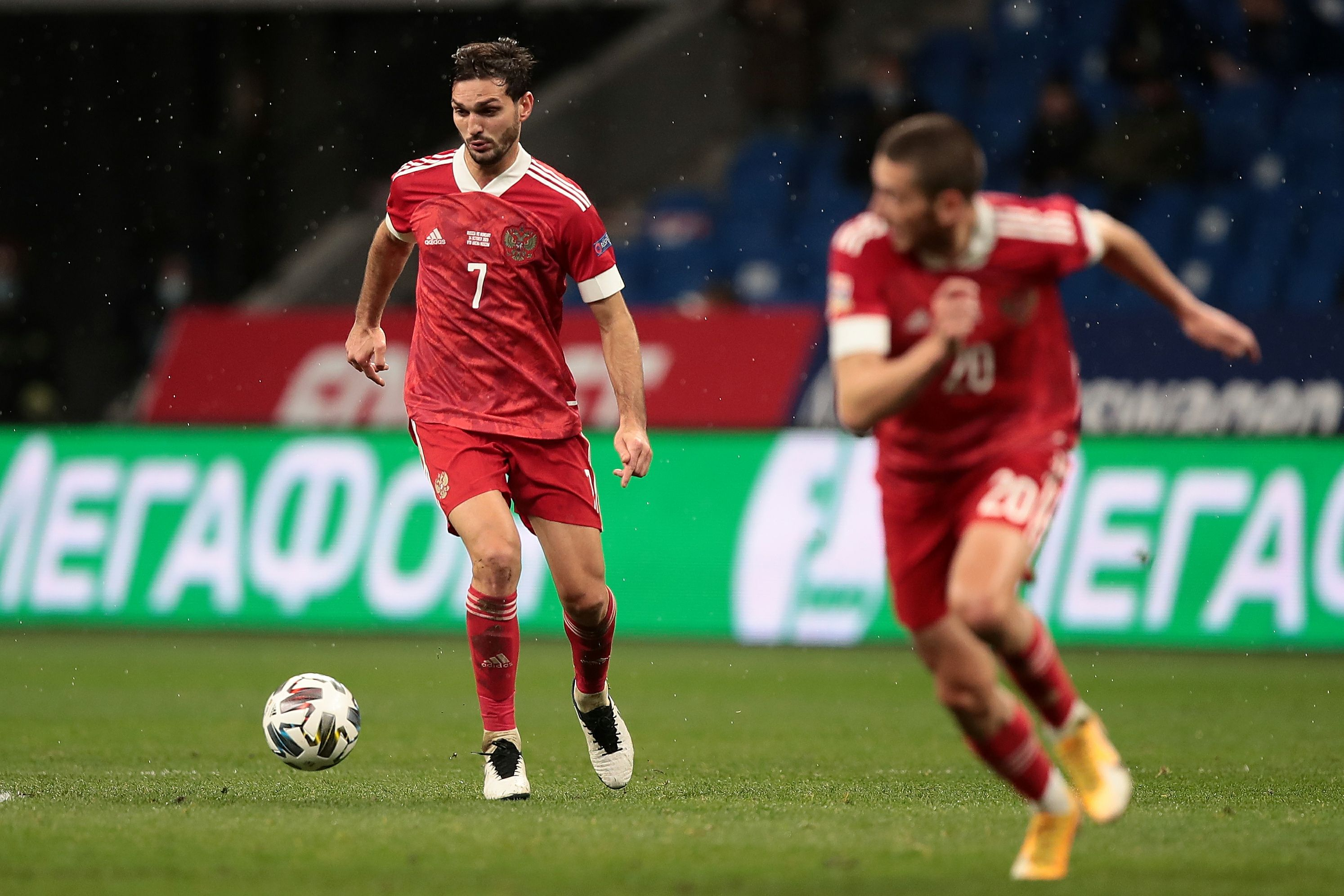 Футболисты сборной России сдали тесты на коронавирус перед матчем со Словенией