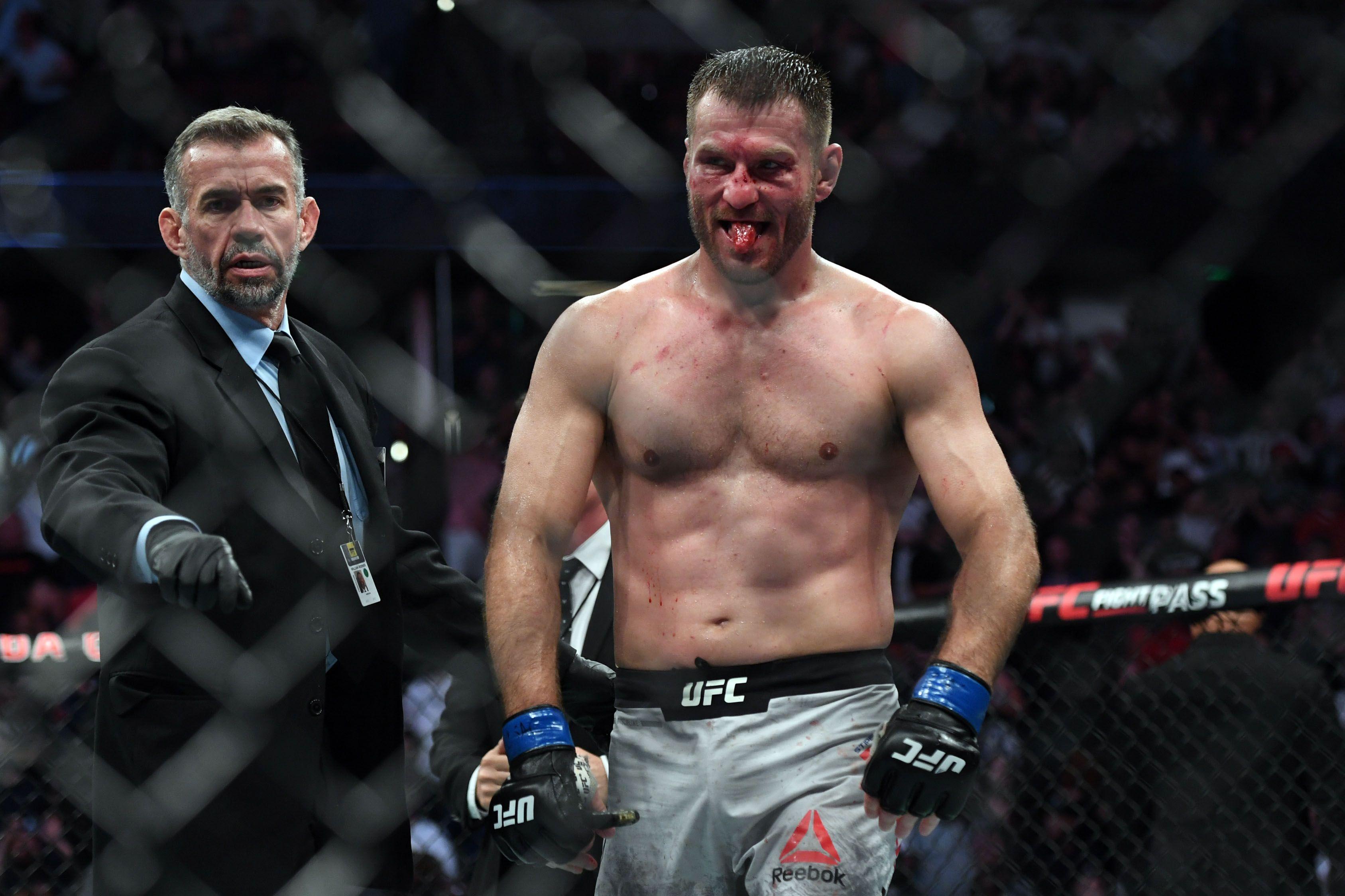 Состоялось официальное взвешивание перед UFC 260