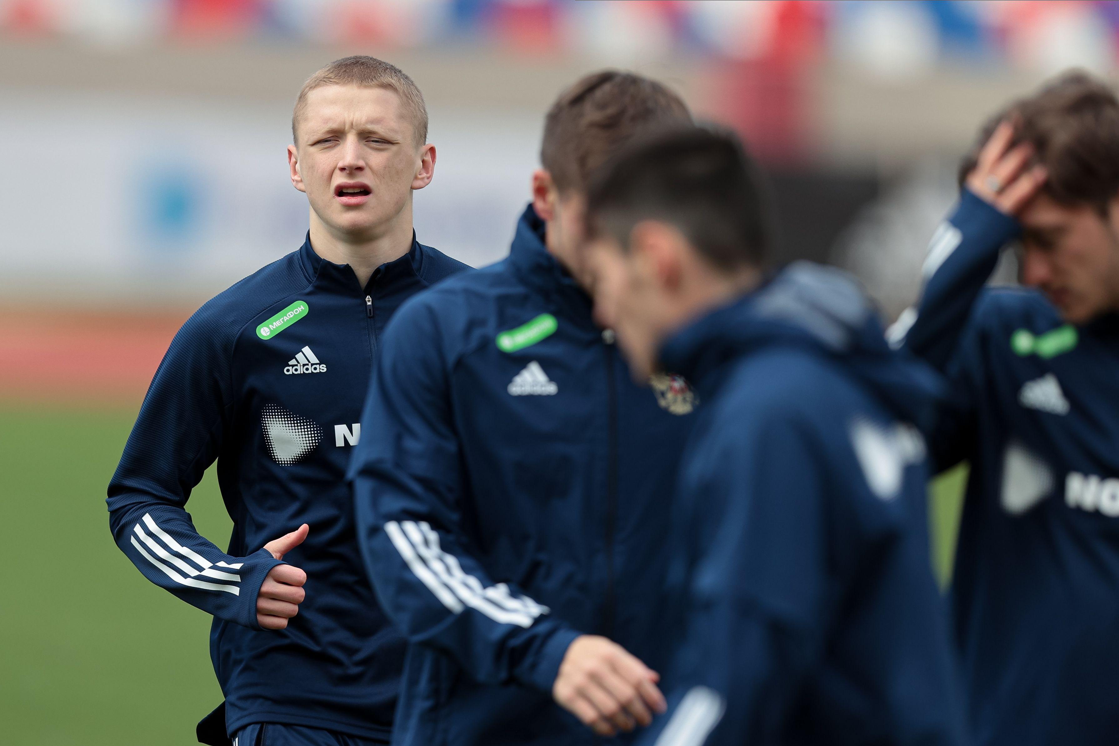 Сборная России прилетела в Словакию на матч квалификации ЧМ-2022