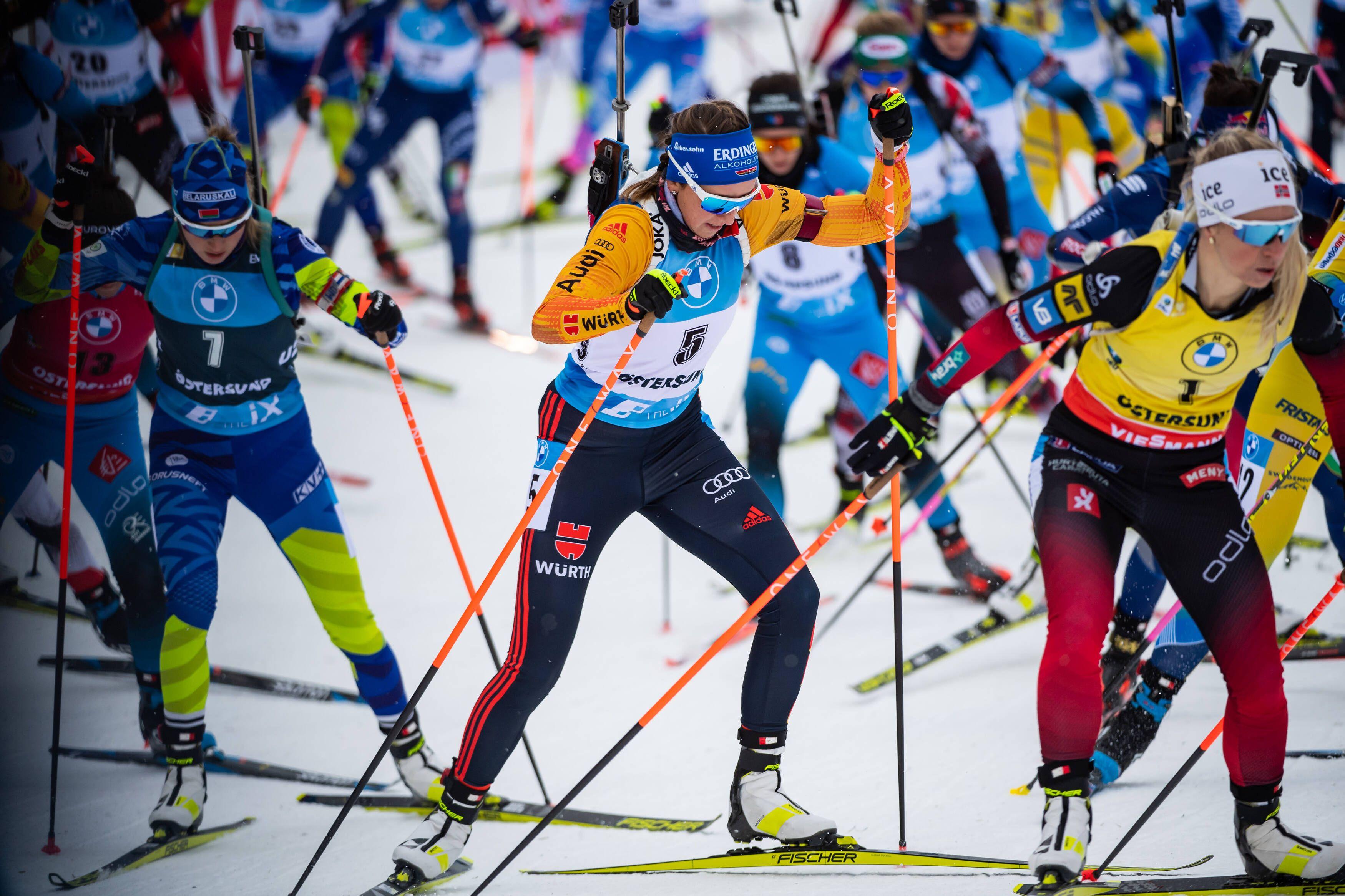 Аликин назвал позором происходящее в женской сборной России по биатлону