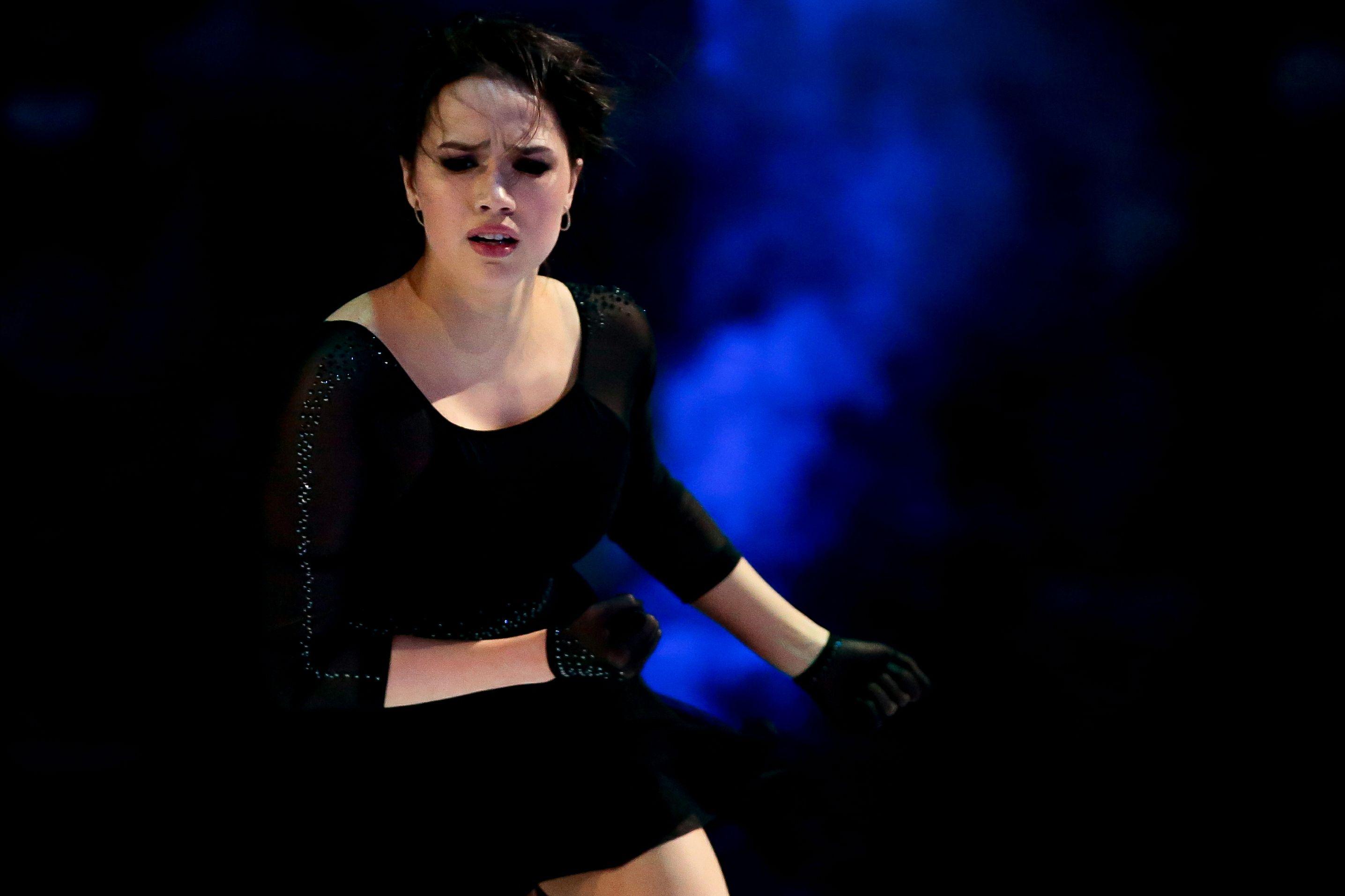 Загитова совершила три падения во время шоу 'Чемпионы на льду'. ФОТО