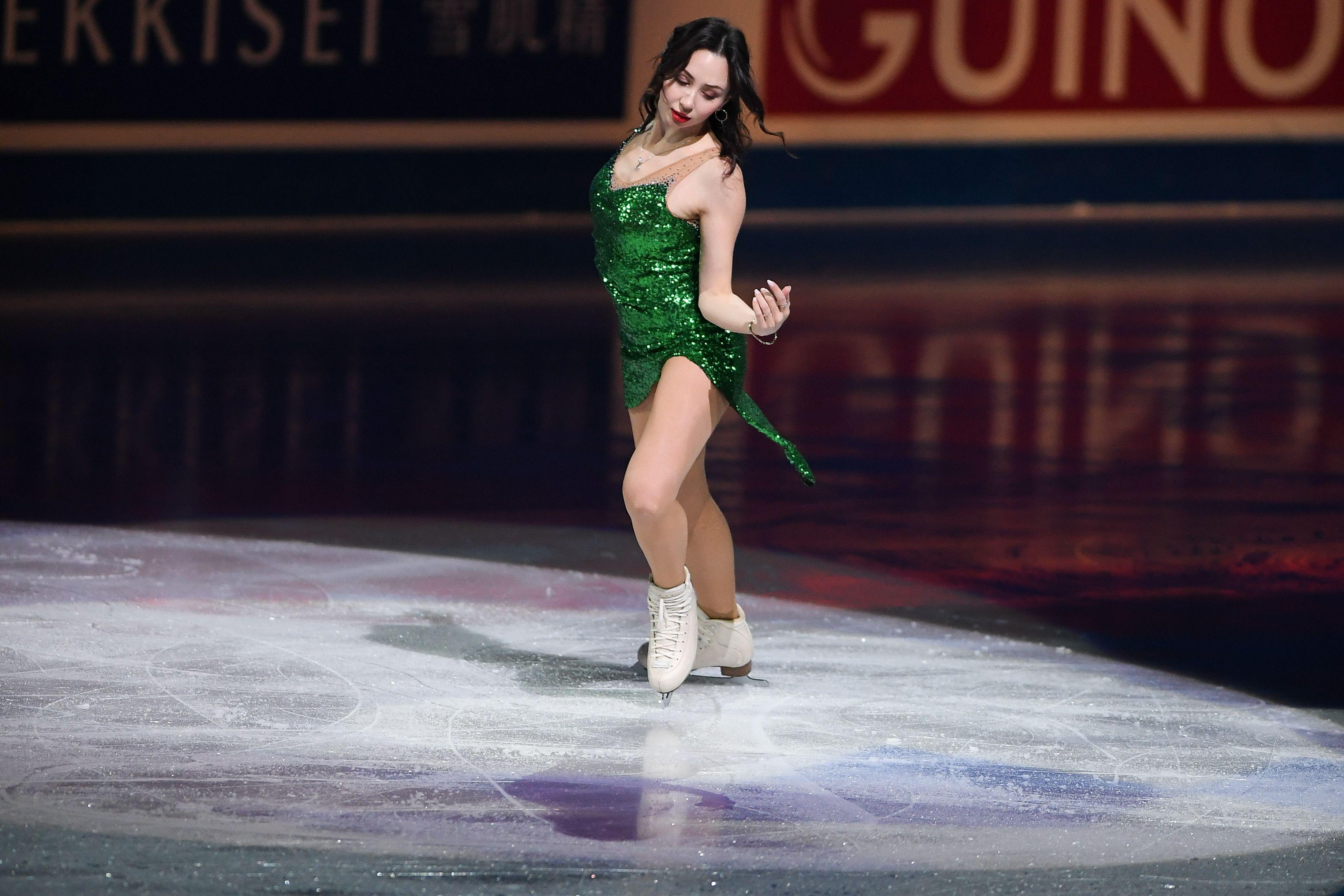 Туктамышева в облегающем платье на церемонии вручения премии GQ Super Women. ФОТО