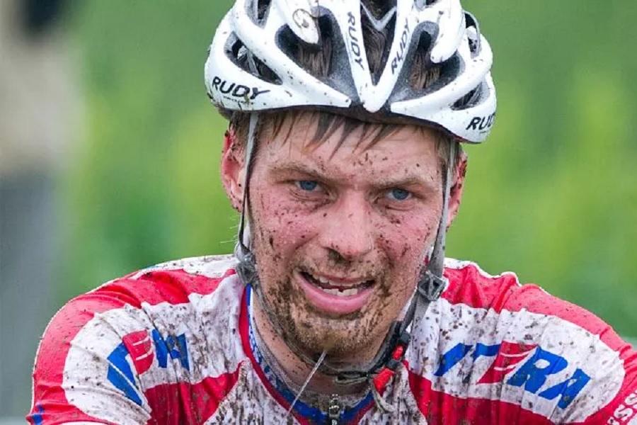 Российского велогонщика дисквалифицировали за ЭПО