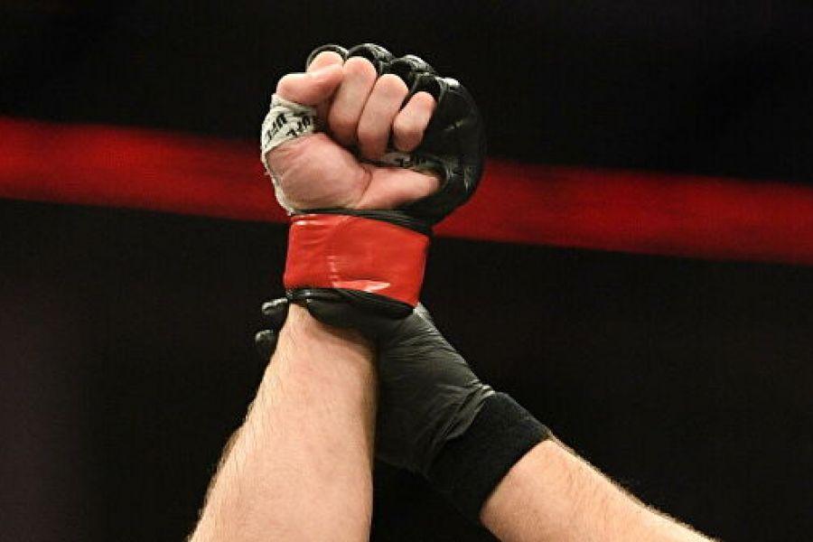 Немков проиграл в дебютном бою в Bellator