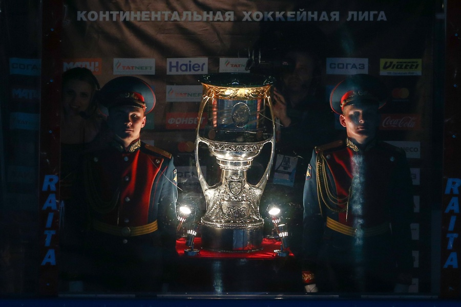 Как 'Авангард' обыграл ЦСКА и стал обладателем Кубка Гагарина. Видеообзор матча