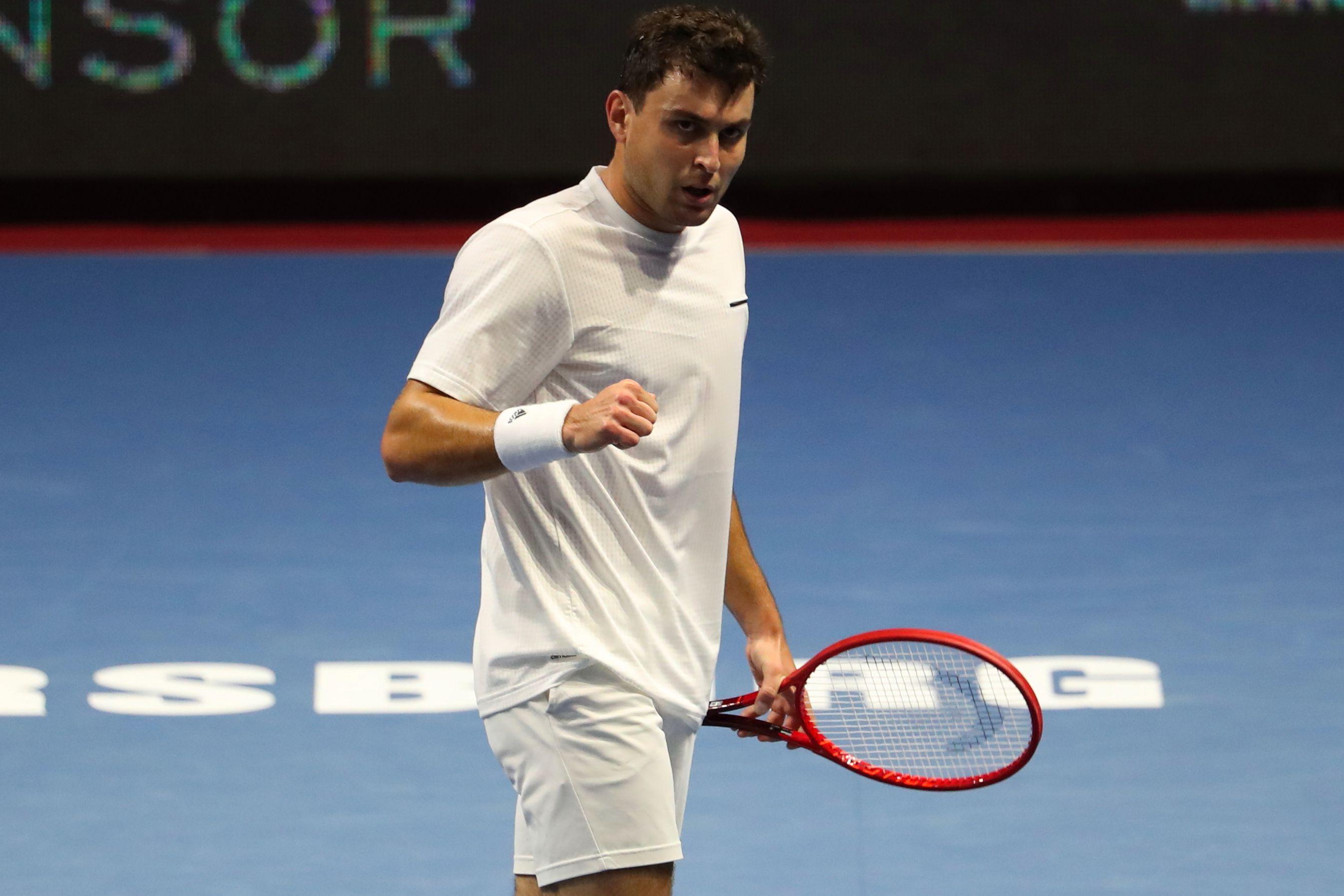Карацев пробился в четвёртый круг Australian Open