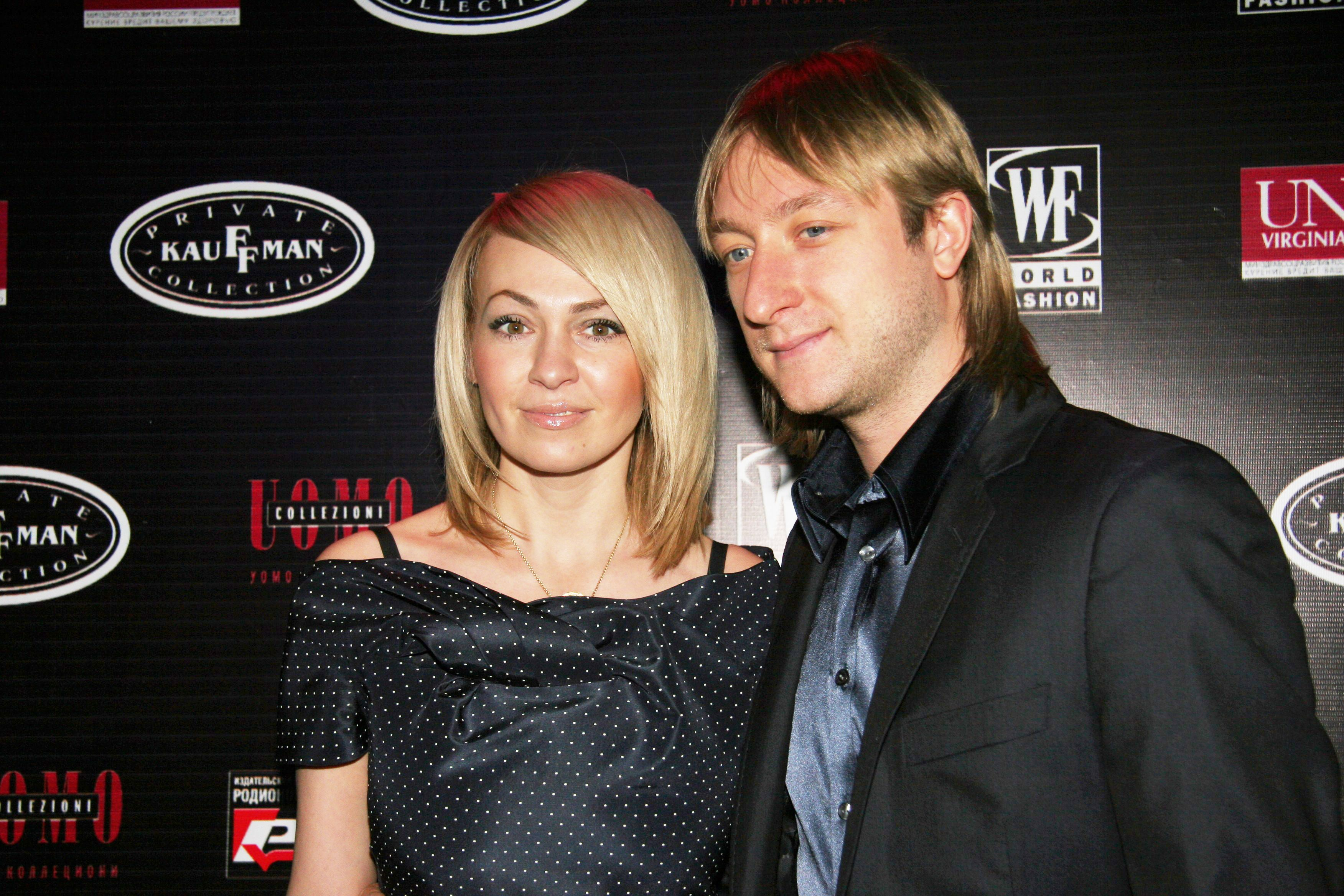 Рудковская в честь 14 февраля показала трогательный танец с Плющенко на концерте Билана. ВИДЕО