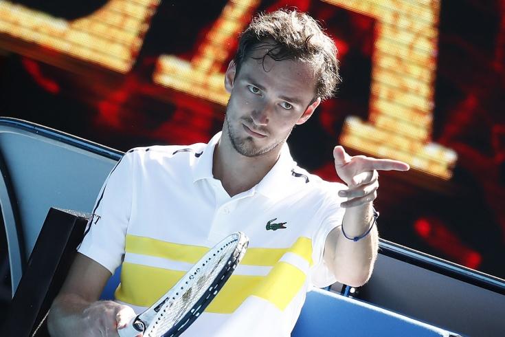 Australian Open. День десятый: Матч-гриль для Рублёва и Медведева, историческая победа Муховой, невероятный камбэк Циципаса