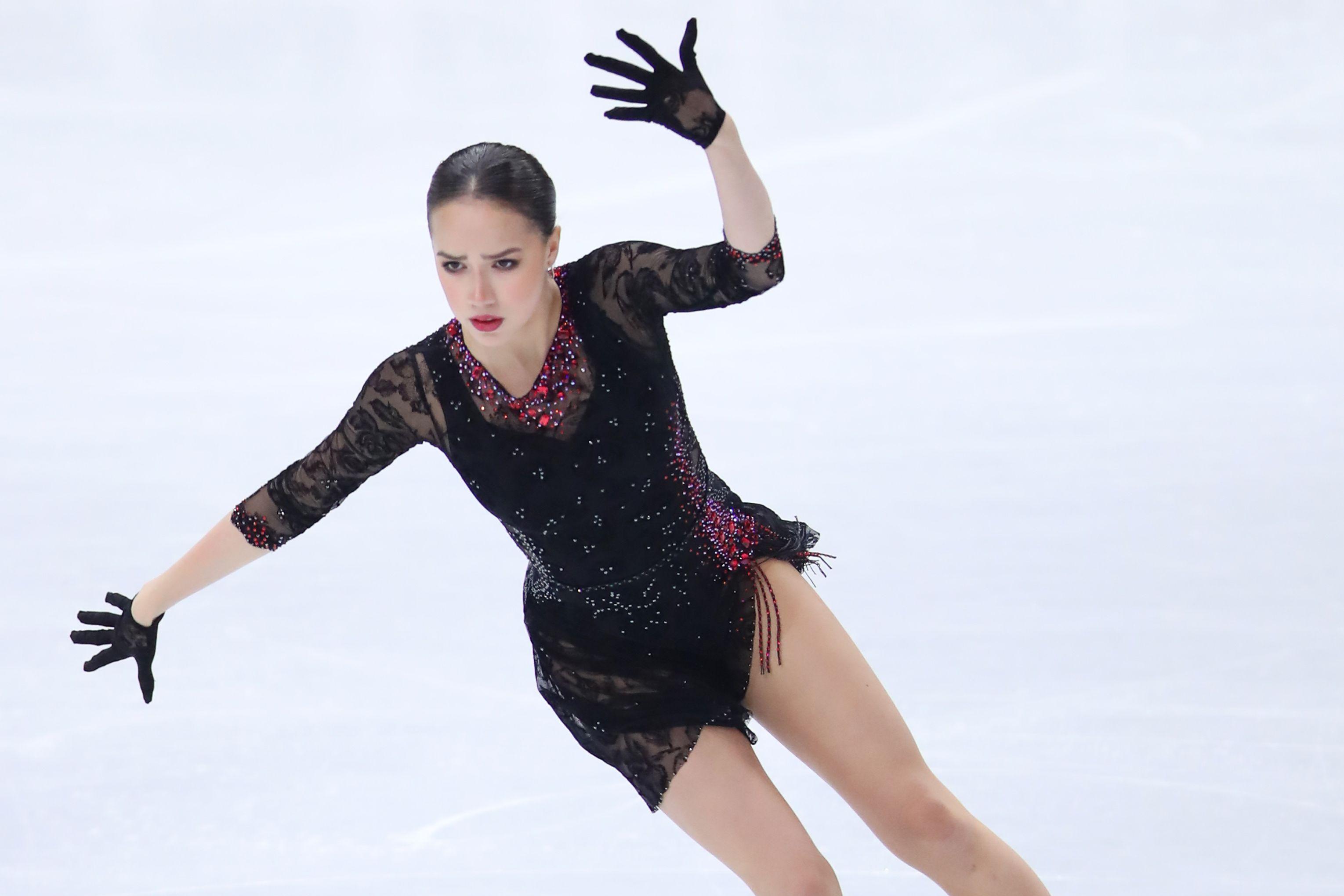 Загитова снова заинтриговала поклонников: снимки без верхней одежды при минус 18 градусов. ФОТО