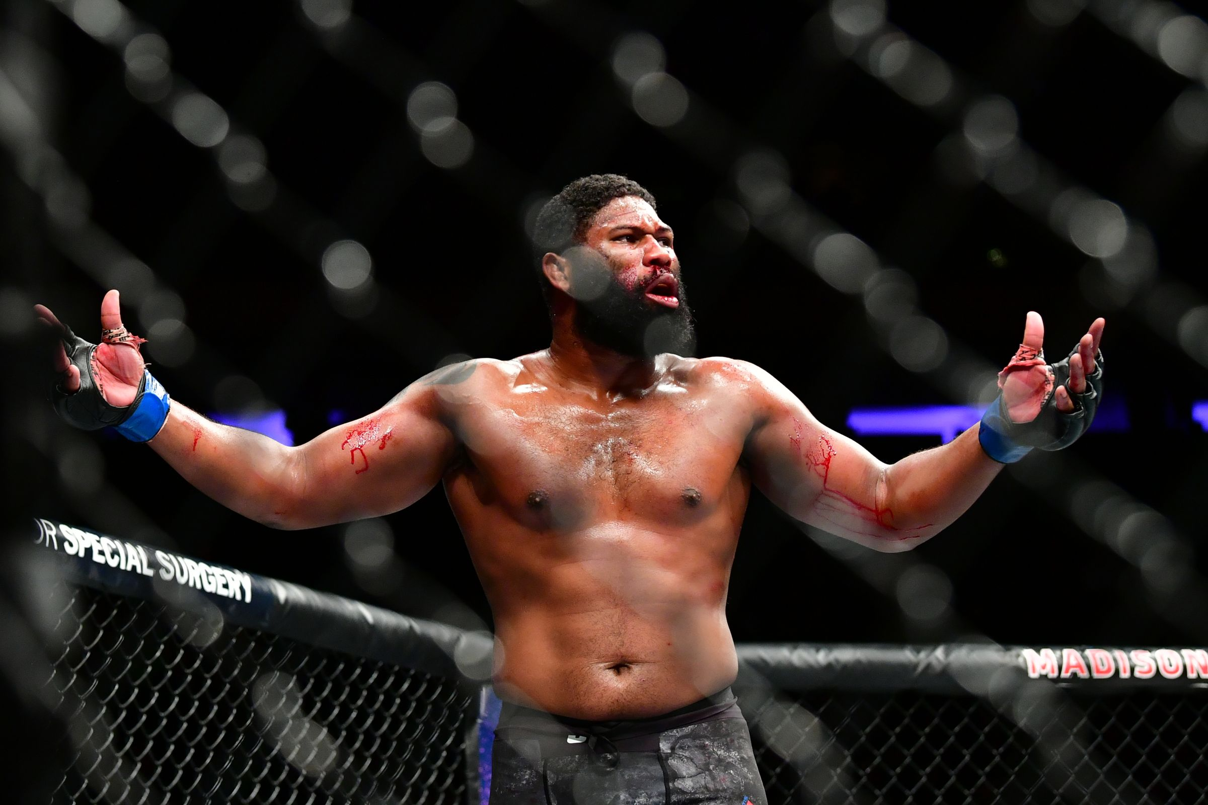 ММА, UFC Fight Night 185, Блейдс - Льюис, прямая текстовая трансляция боя