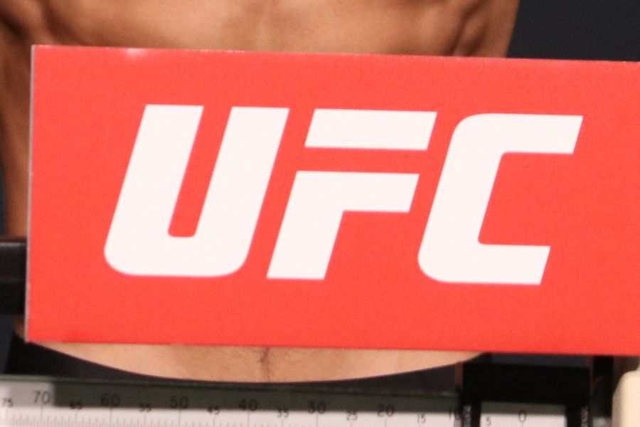 ММА, UFC Fight Night 185, Куницкая - Виейра, прямая текстовая трансляция боя