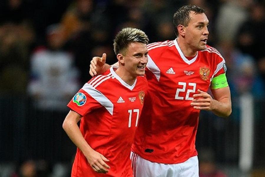 Футболисты сборной России перед матчем с Данией назвали самых неповоротливых игроков в команде. ВИДЕО