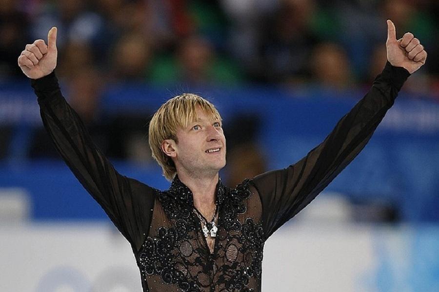 Мостовой и Плющенко сыграли в хоккей (ФОТО)