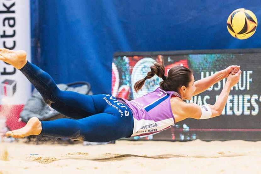 Женская сборная России вышла в финал командного Кубка Европы по пляжному волейболу