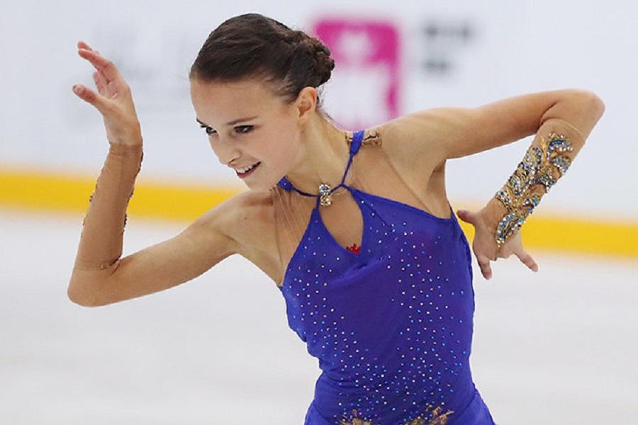 Щербакова: 'Получила нелепую травму, с нетерпением жду возвращения на лёд'. ВИДЕО