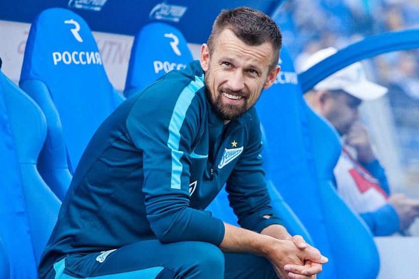 Семак заявил, что у 'Зенита' нет возможности подписывать сильных российских футболистов и иностранцев