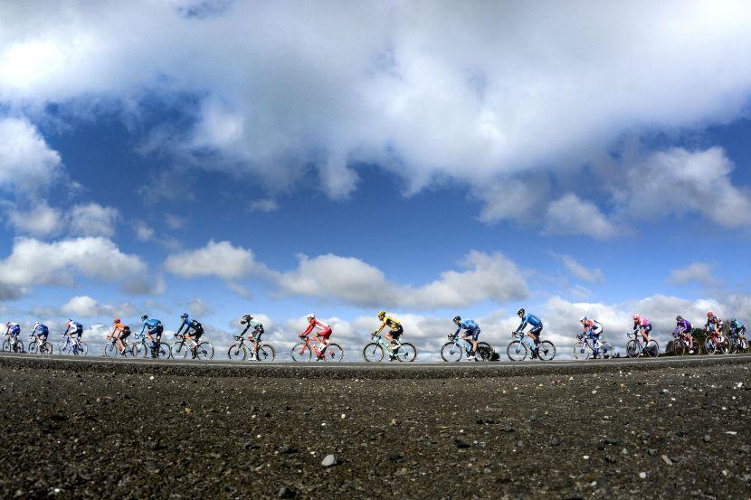 Власов: 'В России всё грустно с популярностью велоспорта. Велосипедист на шоссе вызывает раздражение'