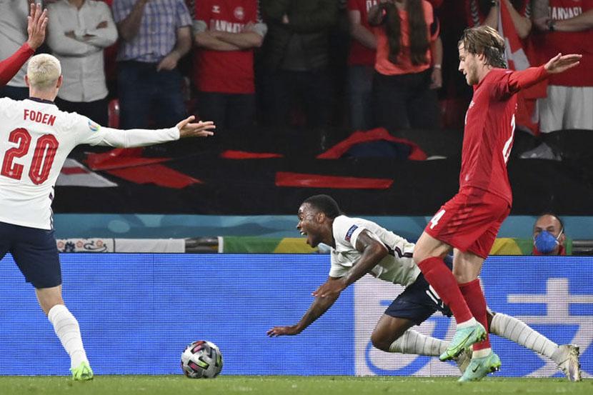Стерлинг поделился мнением о моменте с пенальти в матче Евро-2020 Англия — Дания