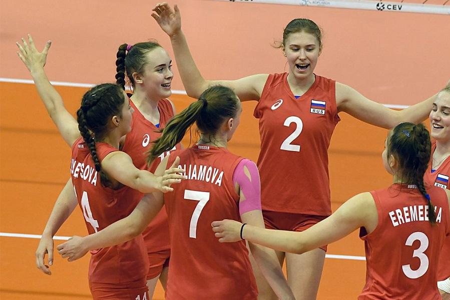 Женская сборная России до 17 лет вышла в финал чемпионата Европы по волейболу