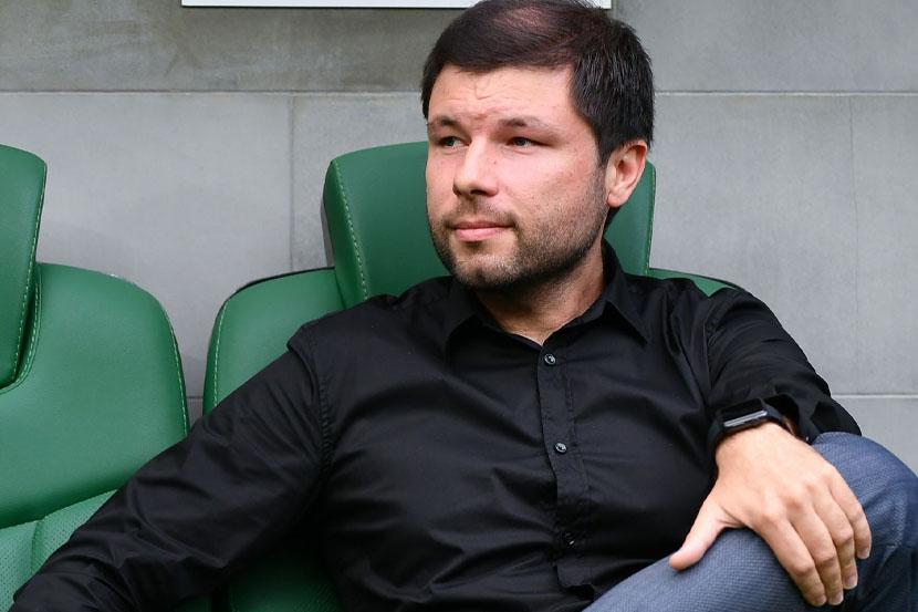 Мусаев находится на стажировке в 'Рубине' у Слуцкого. ФОТО