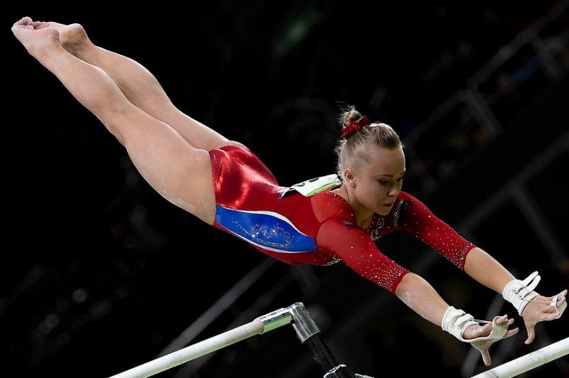 Женская сборная России по гимнастике выиграла золото в командном многоборье