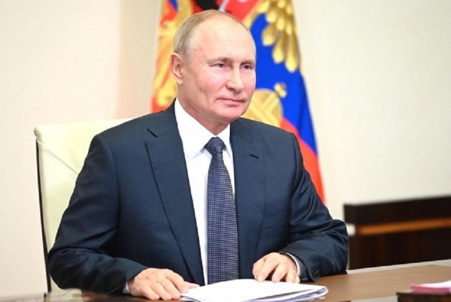 Путин поздравил российских синхронисток с победой на ОИ-2020: 'Выступили поистине триумфально'