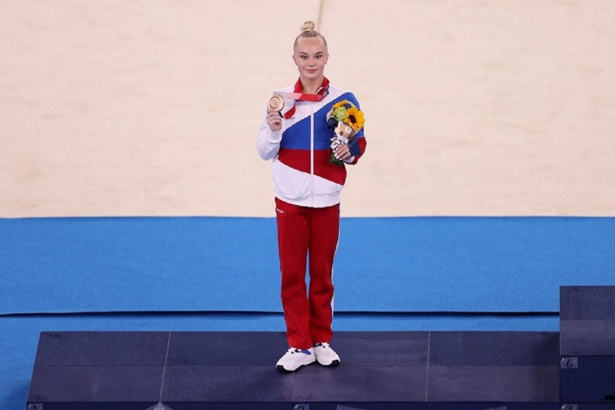 Российская гимнастка Мельникова рассказала об отношениях с американкой Байлз