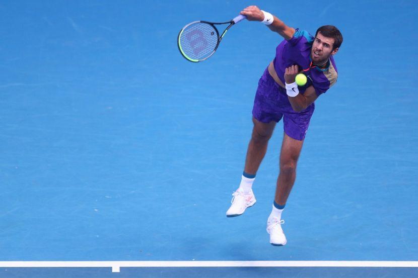 Хачанов проиграл Нисикори на старте турнира в Мадриде