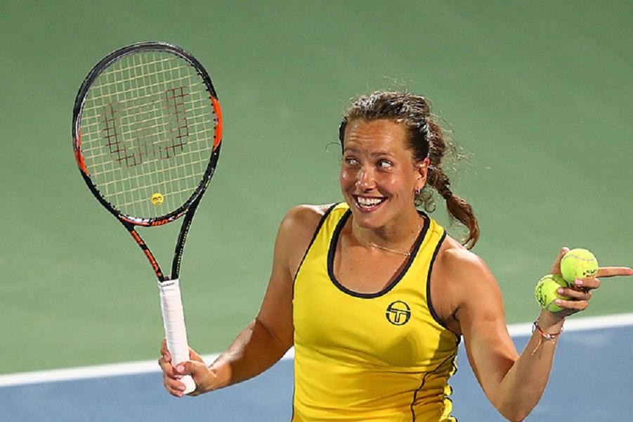 Теннисистка Стрыцова объявила о завершении карьеры