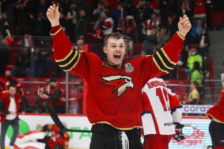 Игрок 'Авангарда' Семёнов подписал контракт с клубом НХЛ