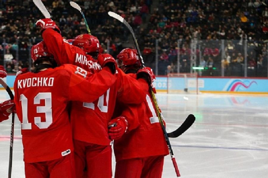 Главный тренер российских юниоров прокомментировал серебряные медали сборной на чемпионате мира